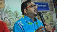 Haris Azhar selaku Koordinator Kontras saat memberikan pernyataan sikap menolak pencalonan Budi Gunawan sebagai Wakapolri maupun Kepala BIN di Kantor Kontras, Jakarta, Selasa (21/4/2015). (Liputan6.com/Faizal Fanani)