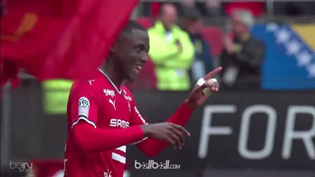 Benjamin Bourigeaud mencetak gol kemenangan Rennes 2-1 atas Toulouse meski timnya hanya bermain 10 orang hingga laga berakhir. Bou...