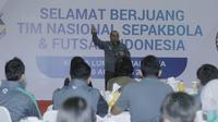 Ketua PSSI, Edy Rahmayadi, memberi sambutan saat acara pelepasan Timnas Indonesia U-22 di Makostrad, Jakarta, Kamis (10/8/2017). PSSI resmi melepas para atlet untuk berlaga di Sea Games 2017 Malaysia. (Bola.com/M Iqbal Ichsan)