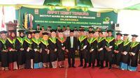 Ketua Umum PPP Romahurmuziy bersama mahasiswa (Liputan6.com/Putu Merta SP)