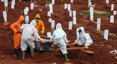 FOTO: Prosesi Pemakaman Korban Corona COVID-19 di Jakarta