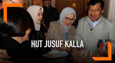 Wapres Jusuf Kalla merayakan ulang tahun yang ke-77 saat melakukan kunjungan kerja di Swiss. Ia mendapat kejutan dari staff dan istri tercinta.