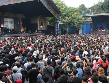 OI Padati Seri Konser Situs Budaya Iwan Fals
