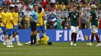 Neymar Terkapar. (AP/Frank Augstein)