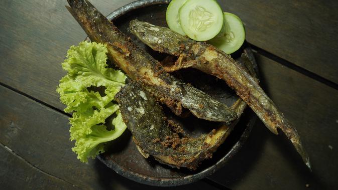 Menu Hari Ini: Lele Goreng Kremes, Tumis Brokoli dan Mie Kuah Udang