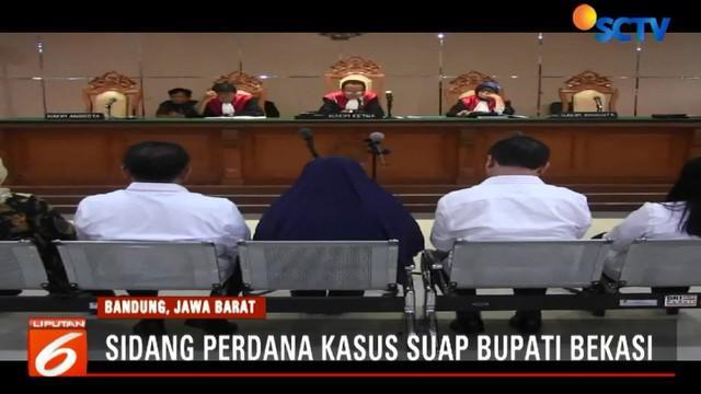 Sidang perdana dipimpin Ketua Majelis Hakim Tardi langsung memberi kesempatan Jaksa KPK untuk membacakan dakwaan terhadap terdakwa Bupati Neneng Hasanah Yasin dan empat pejabat Pemkab Bekasi.
