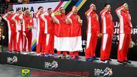 Ketua PBSI, Wiranto, mengucapkan selamat atas keberhasil tim bulutangkis Indonesia meraup emas beregu putra pada SEA Games 2017, Kamis (24/8/20017). (PBSI)