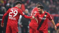 Bayer Leverkusen - Kai Havertz dan  Kevin Volland menjadi duet penyerang yang mematikan skuat Bayer Leverkusen. Havertz telah mencetak 10 gol dan Volland 9 gol, bila digabung keduanya telah menyumbangkan 19 gol. (AFP/Patrik Stollarz)