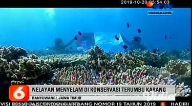 Cara unik dilakukan kelompok nelayan di Banyuwangi, Jawa Timur, untuk menyampaikan pesan dukungan menjelang Pelantikan Presiden dan Wakil Presiden Terpilih 2019-2024.