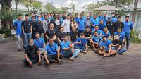 Presiden Arema FC, Gilang Widya Pramana, mengundang skuad Singo Edan ke villa miliknya di Batu, Kamis (10/6/2021) pagi WIB. (Bola.com/Iwan Setiawan)