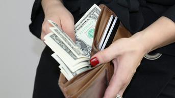 Kisah Manis di Balik Penemuan Dompet Berisi Uang Ratusan Juta Rupiah