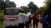 Tiga balita tewas setelah terjebak di dalam rumah yang terbakar, Rabu (12/9/2018) siang.  (Liputan6.com/Darno)