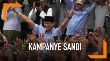 Caewapres Sandiaga Uno berkampanye di Lamongan. Sandi berkampanye di hadapan ribuan nelayan Lamongan. Prabowo-Sandi Berjanji akan mensejahterakan kehidupan para nelayan
