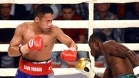 Daud Yordan saat melawan Maxwell Awuku di Surabaya (istimewa)