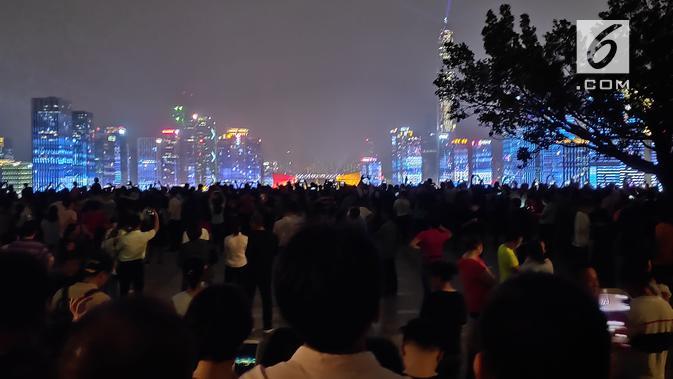 Pemandangan dari atas Lian Hua Shan Park, Shenzen, Tiongkok. (Liputan6.com/ Ramdania El Hida)