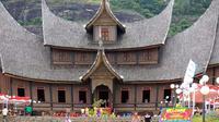 Berbagai lomba dan acara seni budaya khas Sumatra Barat akan digelar pada Pagaruyung Fair 2015.