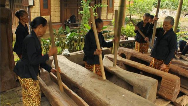 Mengenal Lebih Dekat Suku Osing Asli Banyuwangi