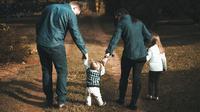 Ilustrasi Anak dan Orangtua Credit: pexels.com/Vidal