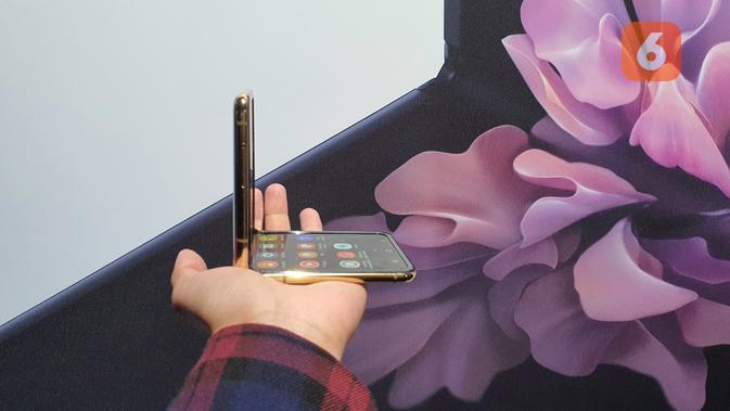 Samsung Galaxy Z Flip (Liputan6.com/ Agustin Setyo W)