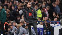 Manajer Chelsea, Frank Lampard tersenyum usai membawa timnya menahan imbang Ajax Amsterdam pada laga lanjutan Liga Champions, Rabu (6/11/2019). (Dok. Twitter/chelseafc)