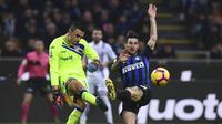 Aksi kiper Sampdoria berdarah Indonesia, Emil Audero pada laga lanjutan Liga Italia Serie A yang berlangsung di stadion Giuseppe Meazza, Milan, Senin (18/2). Inter Milan menang 2-1 atas Sampdoria. (AFP/Miguel Medina)