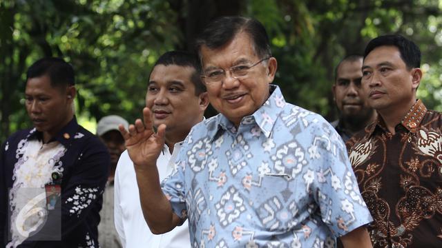 20170419-Wapres JK Nyoblos Pilkada Jakarta di TPS 03-Herman