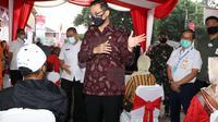 Menteri Sosial Juliari P Batubara meresmikan penyaluran tahap 4 ini di Kantor Pos Cikutra pada Rabu, 4 Agustus 2020 kemarin. (Istimewa)