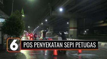 PPKM Darurat diperpanjang hingga 25 Juli 2021, penyekatan di pos PPKM di Jakarta masih diterapkan. Namun sejumlah pengendara dapat dengan leluasa menerobos penyekatan tanpa penjagaan petugas.