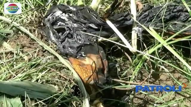 Diduga mengalami depresi, seorang ibu di Probolinggo tega mengajak anaknya melakukan aksi bakar diri. Pelaku kritis, sementara anak balitanya tewas mengenaskan.