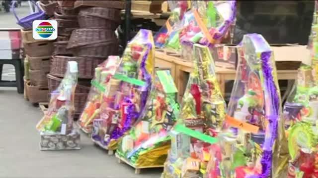 Usai direlokasi, pedagang parsel yang biasa berjualan di kawasan Stasiun Cikini mengeluhkan sepinya pembeli.