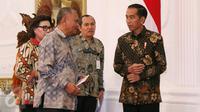 Presiden Joko Widodo (Jokowi) menerima pimpinan Komisi Pemberantasan Korupsi (KPK) di Istana Merdeka, Jakarta, Jumat (5/5). Mereka adalah Ketua KPK Agus Rahardjo, Basaria Pandjaitan, Saud Situmorang, dan Alexander Marwata. (Liputan6.com/Angga Yuniar)