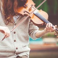 ilustrasi musik klasik/Photo by Clem Onojeghuo on Unsplash