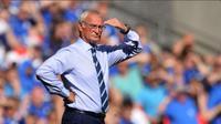 Manajer Leicester City, Claudio Ranieri, menyebut timnya tak kompak saat kalah 1-2 dari Hull City pada laga pembuka Premier League 2016-2017. (AFP)