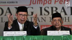 Menteri Agama Lukman Hakim Saiffudin (kiri) saat memberi keterangan hasil Sidang Isbat, Jakarta, Selasa (15/5). Pemerintah menetapkan awal Ramadan pada Kamis, 17 Mei 2018. (Merdeka.com/Iqbal Nugroho)