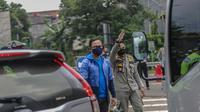 Wali Kota Bogor Bima Arya memantau penerapan ganjil genap di Bogor. (Liputan6.com/Achmad Sudarno)