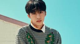 Hyungwon Monsta X merupakan salah satu idola Korea Selatan yang mencoba dunia DJ. Saat sebagai DJ, ia menggunakan nama panggung DJ H.One. (Foto: Soompi.com)