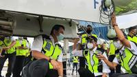 Menhub Budi Karya Sumadi melakukan ramp check sejumlah pesawat milik maskapai di Bandara Internasional Soekarno Hatta (Soetta). Dok Kemenhub