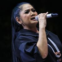 Vina Panduwinata (Fimela.com/Adrian Putra)