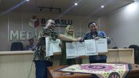 Bawaslu menandatangani Nota Kesepahaman atau MoU dengan empat pegiat Pemilu, seperti Perkumpulan untuk Pemilu dan Demokrasi (Perludem), Masyarakat Anti Fitnah Indonesia ( Mafindo), Indonesian Parliamentary Center (IPC), dan Hukum Online.