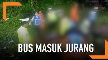 Bus Bima Suci bernomor polisi A 7520 CS mengalami kecelakaan maut di ruas Tol Cipularang KM 70+400 wilayah Purwakarta, pada Senin (28/1/2019) sekitar pukul 09.40 WIB.