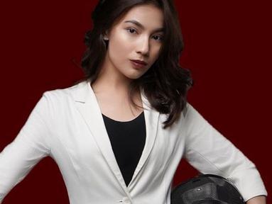 Namanya Syalomita Gasya Karen, dara cantik asal Manado ini merupakan bagian penting di klub kontestan Liga 2, Sulut United. (Dok Instagram @gasyakaren)