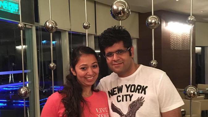 Capt. Bhavye Suneja dan istri (Bhavye Suneja/facebook.com)