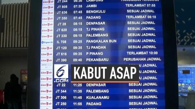 PIhak ATC Bandara Soekarno-Hatta menjelaskan ada beberapa rute penerbangan yang terganggu akibat kabut asap yang terjadi. Kabut asap menyebabkan jarak pandang penerbangan berkurang.