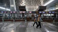 Suasana bagian check-in  di Terminal 3 Ultimate Bandara Soekarno-Hatta, Cengkareng, Banten, Sabtu (2/7). Pengerjaan Terminal 3 Ultimate Bandara Soekarno-Hatta tinggal persoalan ATC yang perlu diselesaikan. (Liputan6.com/Faizal Fanani)