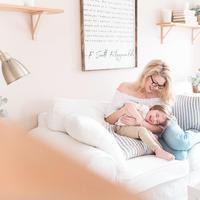 Luangkan waktu 10 menit yang berkualitas, agar sebagai orangtua kamu tak kehilangan momen kebersamaan bersama buah hati. (Photo by Paige Cody on Unsplash)