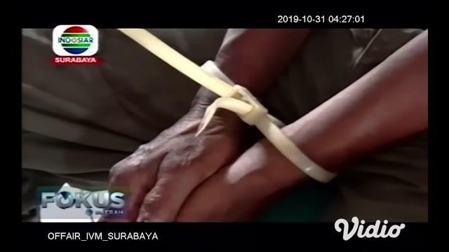 Sapali (58), warga Dusun Karanganyar, Desa Sumberanyar, Kecamatan Nguling, Pasuruan, babak belur dihajar massa setelah kepergok mencuri motor Honda Beat bernopol N 2968 TAJ di Desa Tundosoroh, Kecamatan Kejayan, Selasa (29/10/2019).