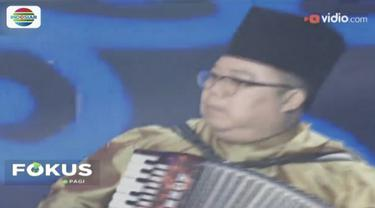Pencipta lagu Cindai dan juri ajang musik D'Academy Asia, Pak Ngah meninggal dunia karena serangan jantung.