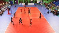 Tim bola voli DKI Jakarta mengalahkan Banten 3-0 pada laga perdana Kualifikasi PON XX/2020 Papua di GOR Bulungan, Jakarta Selatan, Sabtu (3/8/2019). (foto: PBVSI)