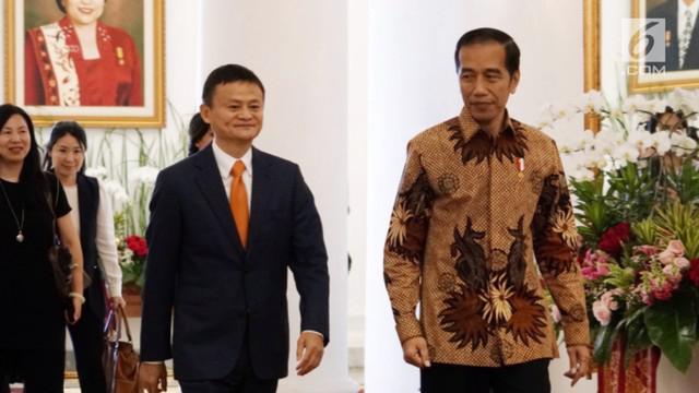 Pendiri Ali Baba bertemu Presiden Jokowi di Istana Bogor. Kepada Jokowi Jacka Ma berkomitmen Untuk tetap berinvestasi di Indonesia