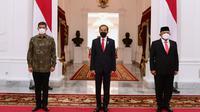 Presiden Joko Widodo (Jokowi) melantik Kepala BNPB Letnan Jenderal TNI Ganip Warsito menggantikan Letnan Jenderal TNI Dr. (H.C.) Doni Monardo yang menjabat sejak awal Januari 2019 lalu. (Biro Pers Sekretariat Presiden/Muchlis Jr)